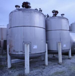Behälter 13.050 Liter aus V2A, gebraucht, doppelwandig mit Leckschutzmantel