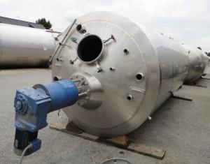 Behälter 10.090 Liter aus V2A, gebraucht, isoliert