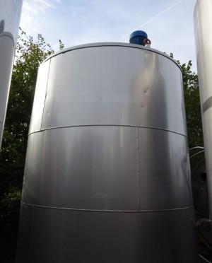 Behälter 9.500 Liter aus V2A, gebraucht, isoliert