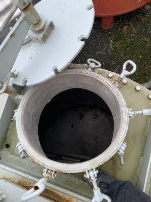 Behälter 5.200 Liter aus V2A, gebraucht, temperierbar, ohne Isolierung