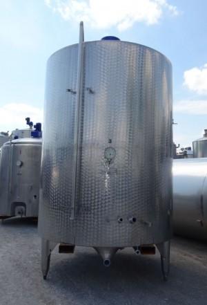 Behälter 10.400 Liter aus V2A, gebraucht, temperierbar, isoliert