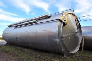 Behälter 95.000 Liter aus V2a, isoliert, 5 Kammern