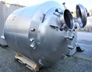 Behälter 2.500 Liter aus V2A isoliert, temperierbar