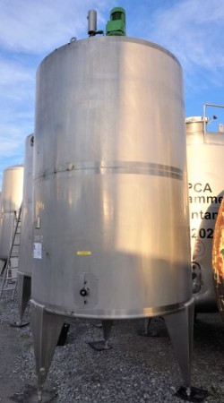 Behälter 5.000 Liter aus V2A, isoliert