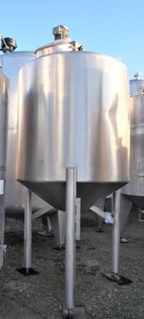 Behälter 2.400 Liter aus V2A isoliert