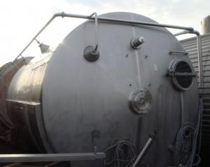 Behälter 30.000 Liter aus V2a isoliert
