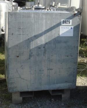 Behälter 1.000 Liter aus V2A isoliert